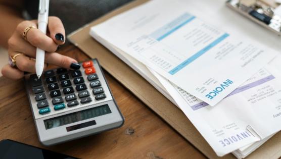 4 maneras de mejorar tu crédito para compras de ferretería y MRO